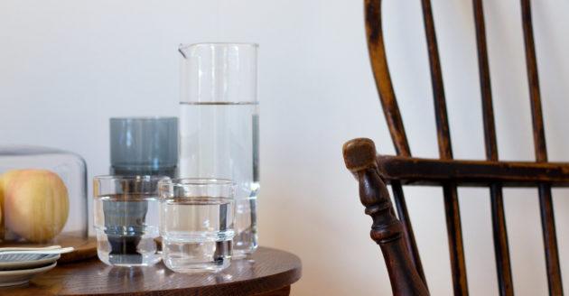 涼しげなガラスのアイテムで、インテリアを夏仕様に。