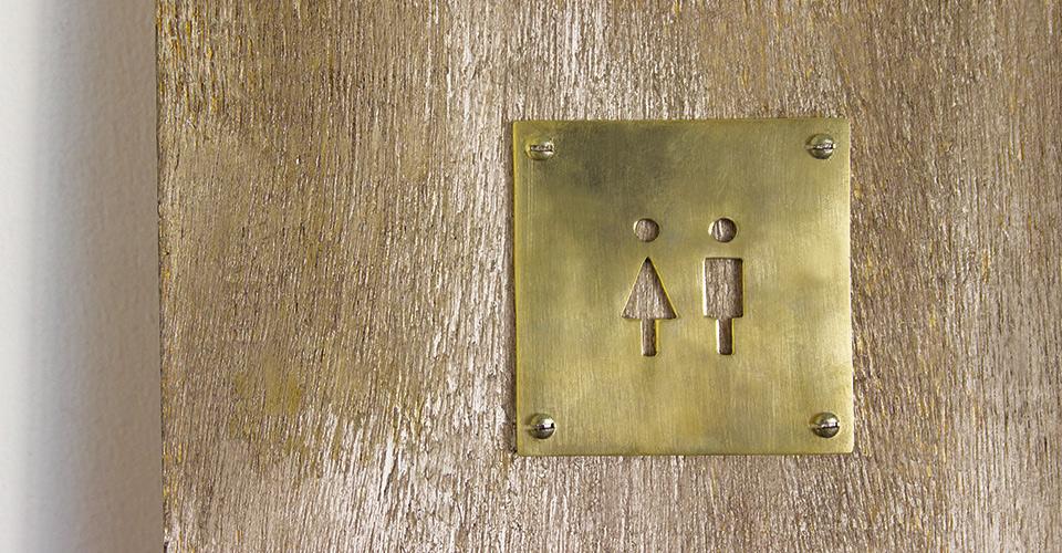 真鍮の店舗サイン トイレ 男女兼用
